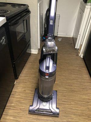 Hoover Windtunnel series vacuum T-series for Sale in Marietta, GA