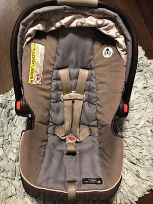 Graco car seat with base for Sale in Union Park, FL