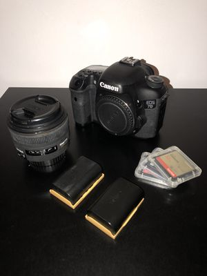 Canon 7D with Sigma 30 mm 1.4 Lens for Sale in Miami, FL