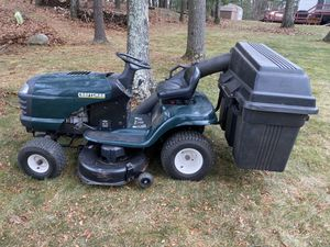 """$300 Used Craftsman Lawn Tractor 16HP, 42"""" Mower w 9-Bushel Bagger and FREE Dethatcher for Sale in Marlborough, MA"""