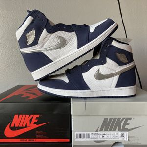 jordan 1 midnight navy size 8 for Sale in Los Angeles, CA