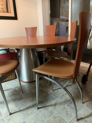 dining table and 6 chairs for Sale in Bellevue, WA