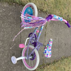 Huffy Glitter 16 Inch Girls Lavender & Purple Bicycle for Sale in Redford Charter Township, MI