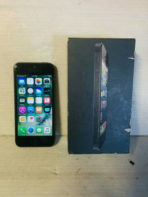 Unlocked Apple iPhone 5, 32gb for Sale in Charlton, MA