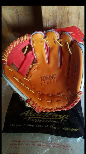 "Akadema Torino Series , 11.5 "" Baseball Glove for Sale in Whittier, CA"