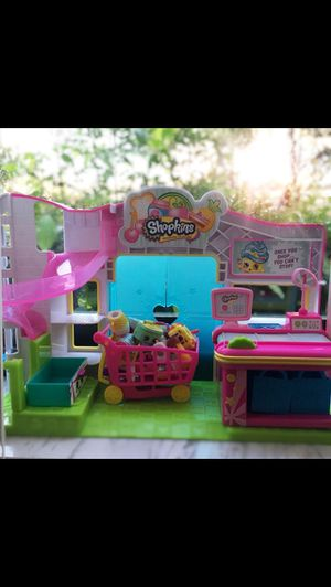 SHOPKINS SET OF 3 - Small Mart, Makeup Spot and Frozen Yogurt Machine for Sale in Weston, FL