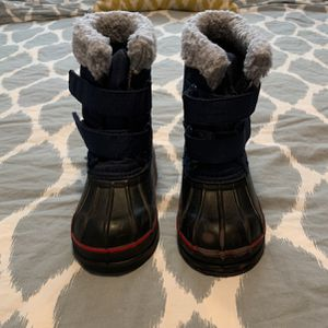 Gap Boys 9t/10t Snow/duck Boots Thinsulate for Sale in St. Petersburg, FL