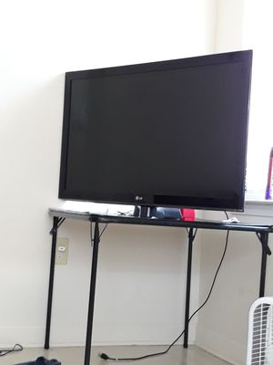 LG LED TV 55 inch for Sale in Baltimore, MD