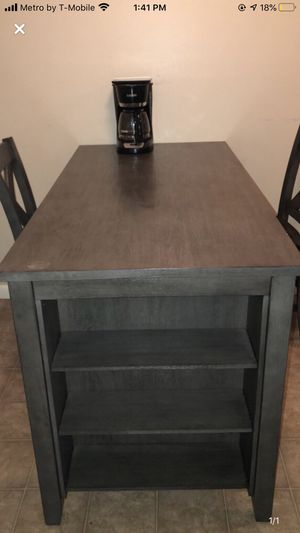 Dinning room table for Sale in Wichita, KS