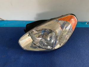 Headlight For 2007-2011 Hyundai Accent Hatchback or Sedan Left Driver Side OEM use for Sale in South Gate, CA