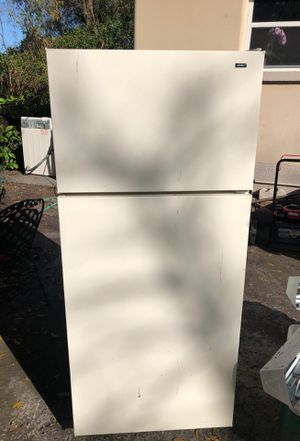 HotPoint refrigerator 125 for Sale in Tampa, FL