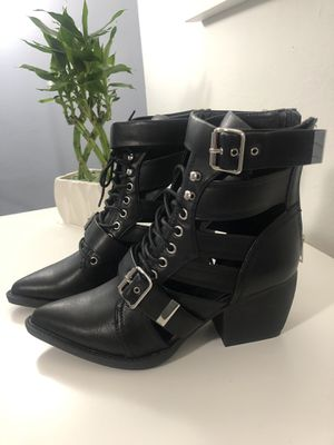 Bucklie Pointed Toe Ankle Boots for Sale in Hialeah, FL
