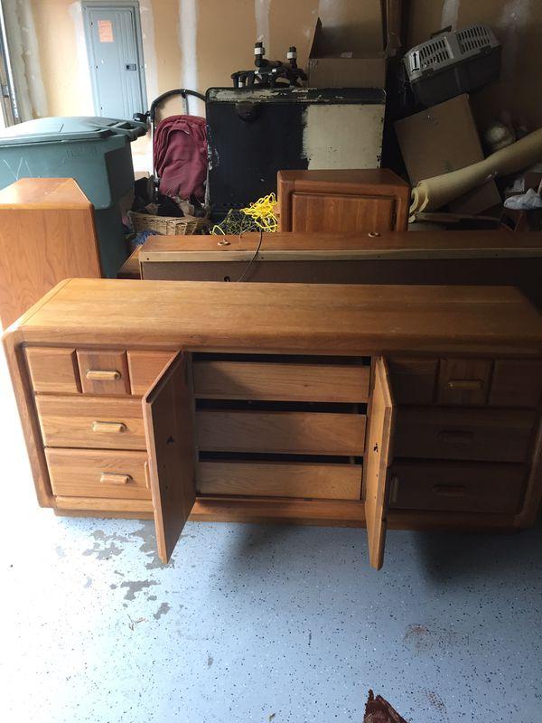 Bedroom Set Solid Wood Very Sturdy Mattress Not