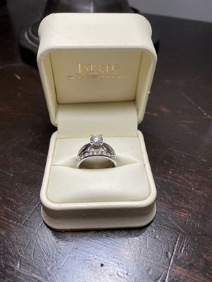 Jared Wedding Ring for Sale in Naperville, IL