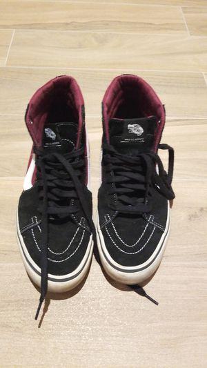 Vans sneaker shoes men's size 11 for Sale in St. Petersburg, FL