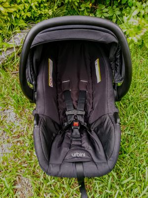 ####URBINI Babies 4-35 Pounds CARSEAT/SUN-VISOR/CARRY-HANDLE#### for Sale in Miami, FL