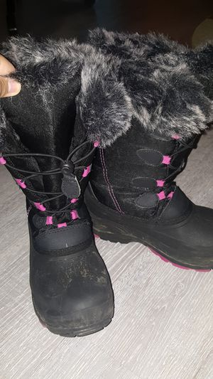 Girls kamik snow gypsy boots for Sale in Medina, OH
