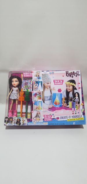 Bratz Creat-It-Yourself Fashion Playset with Doll - 20+ Pieces - set for Sale in Los Angeles, CA