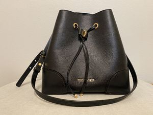 Michael Kors purse for Sale in Covina, CA