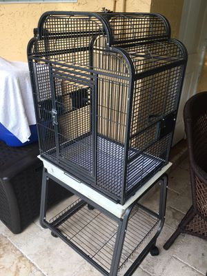 A&E Large Bird Cage for Sale in Miami, FL