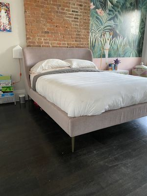 Nearly new West Elm queen bed frame with Casper mattress for Sale in Brooklyn, NY