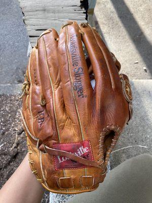 "13"" Louisville Baseball Glove for Sale in Issaquah, WA"