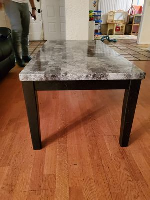 Coffee table for Sale in Victorville, CA