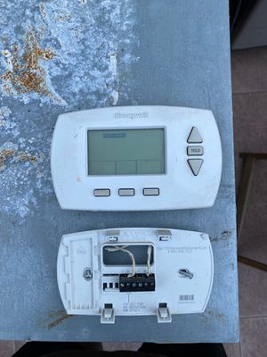 HoneyWell Thermostat FREE for Sale in South San Francisco, CA