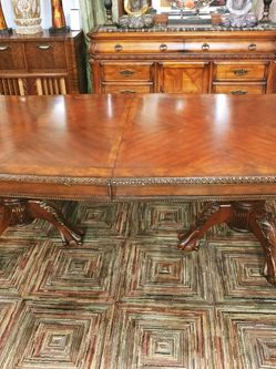 Gorgeous Dining Table Set for Sale in Dayton,  OR