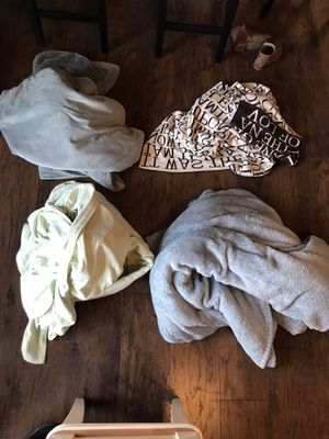 Big cozy blankets- $10 for all for Sale in Spring Valley, CA
