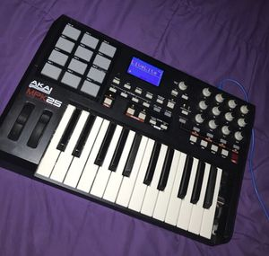Professional Akai MPK25 for Sale in Winter Springs, FL