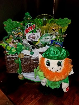 Green Theme Lucky St.Patrick's Gift Basket for Sale in Laredo, TX