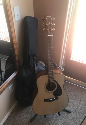 Acoustic Guitar YAMAHA F335 + Stand & Case for Sale in Escondido, CA