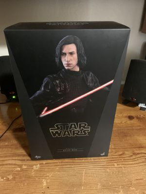 Kylo Ren 1/6 by hot toys for Sale in Stockton, CA