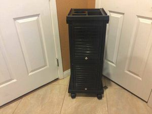 Brand New KD Locking Salon Trolley Cart for Sale in North Las Vegas, NV