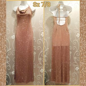 WOMENS GOLD GLITTER FORMAL DRESS SIZE 7/8 for Sale in Ontario, CA