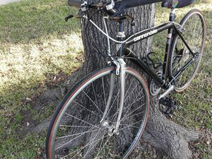 Cannondale road bike for Sale in Denton, TX