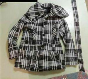 Like new coats camo is new for Sale in Oak Lawn, IL