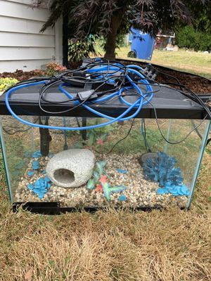 FREE 10 gallon fish tank PENDING PICK UP for Sale in Puyallup, WA
