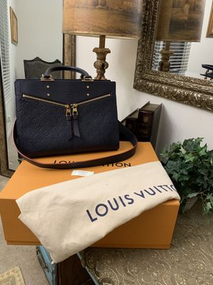 AUTHENTIC LOUIS VUITTON SULLY MM THIS PURSE IS LIKE NEW COMES WITH DUST BAG AND BOX ONLY MESAGE ME IF YOU INTERESTED THANK YOU for Sale in Fresno, CA