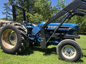 72 hp ford 5030 diesel tractor with heavy duty front end loader. for Sale in Hockley, TX