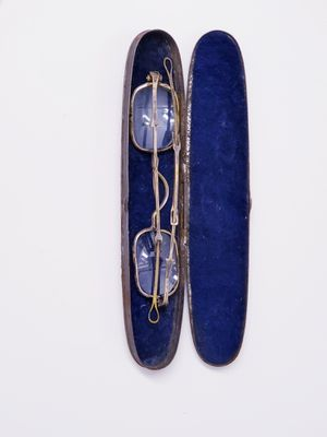ANTIQUE 1700'S SPECTACLES WITH ORIGINAL CASE for Sale in New York, NY