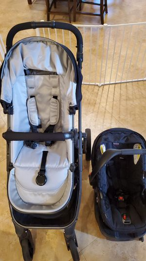 Britax B-Ready stroller, B-Safe carseat and base for Sale in Delray Beach, FL