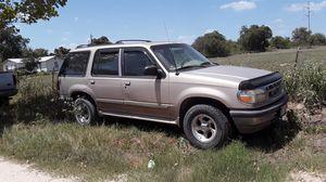 Ford Explore 97 no titulo trabaja todo estoy pidiendo$800, for Sale in Lytle, TX
