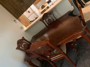 Wood kitchen table for Sale in BAKERSFIELD, CA