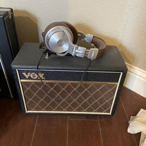 Vox Pathfinder 10 With Stereo Headset for Sale in Biggs, CA
