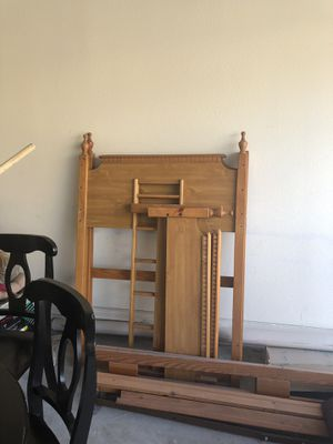 Wood bunk bed for Sale in Land O Lakes, FL