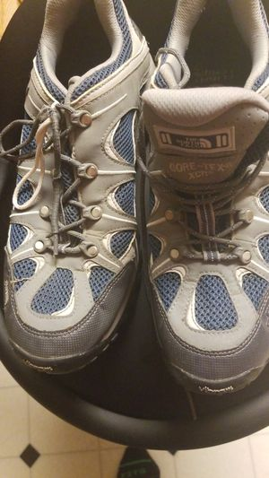 Mens north face hiking shoes for Sale in Vicksburg, MI