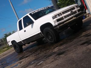 1996 chevy 1500 z71 4x4 for Sale in Tampa, FL