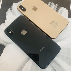 iPhone XS (64 GB) Desbloqueado Con Garantià for Sale in Somerville, MA